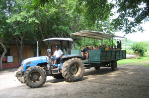 tour-tractor